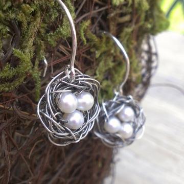 Nest Earring - Pearl Trio