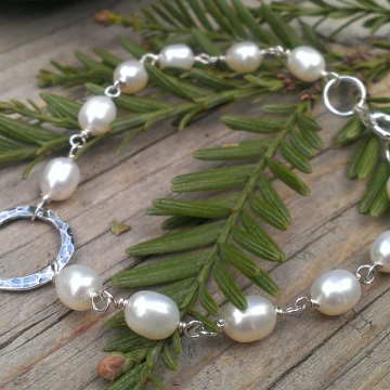 Hammered Circle Focal & White Pearl Link Bracelet - Oxidized, Polished